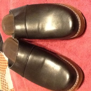 Eddie Bauer Black Leather Clogs  Size 9M